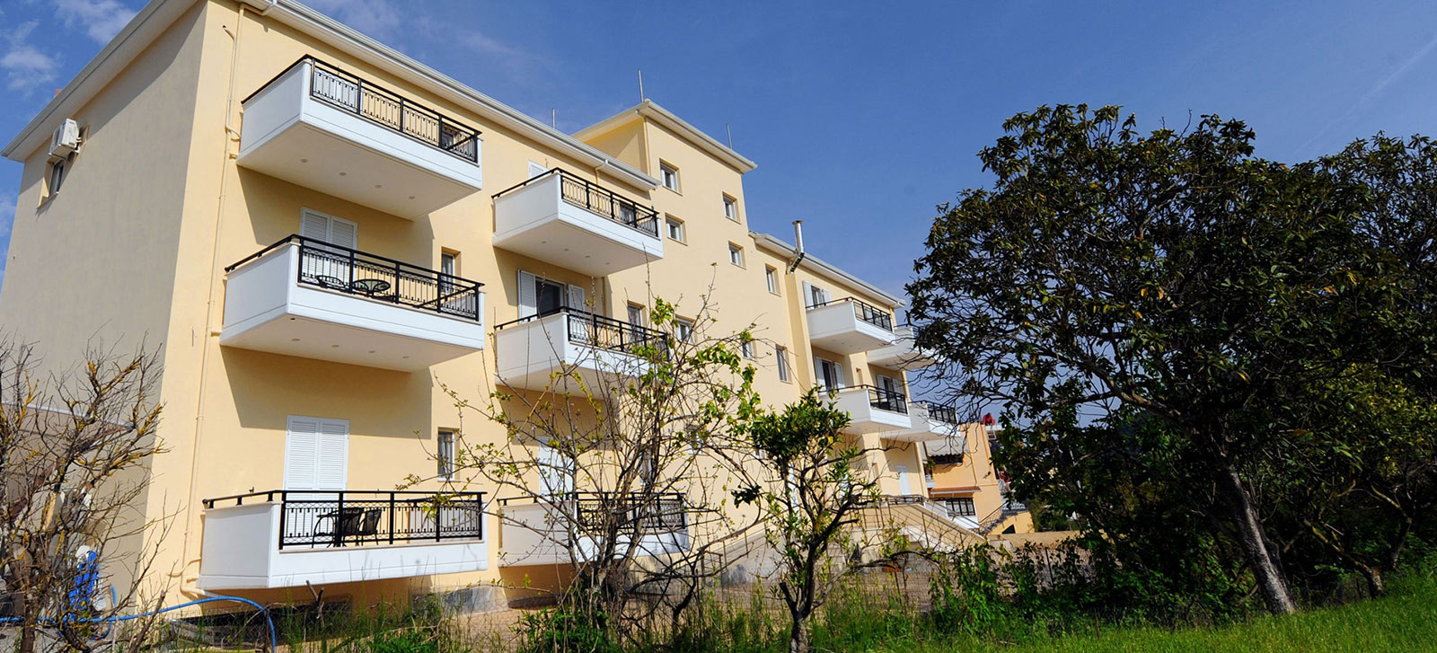 Dionysos Luxury Apartments
